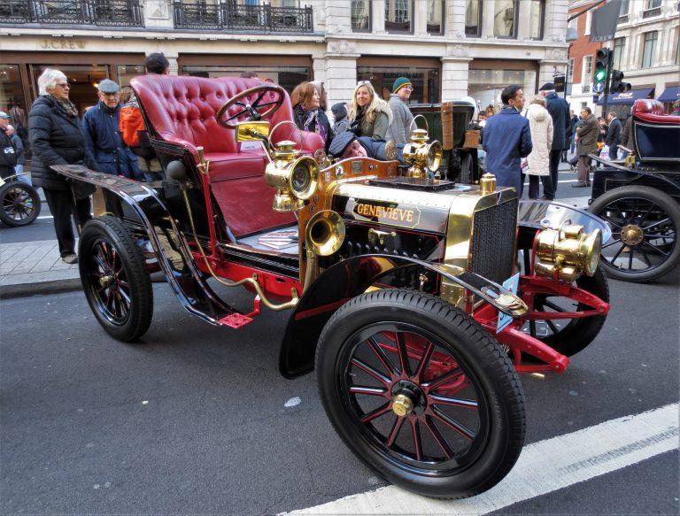 "1904 Darracq 2 cyl ""Genevieve"" at the London Regent Street Motor Show, 11/5/16."